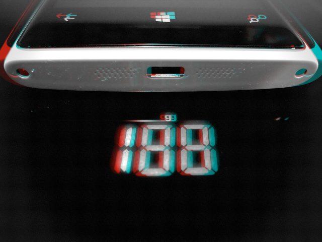 Lumia 920 auf der Waage (stereoscopic)