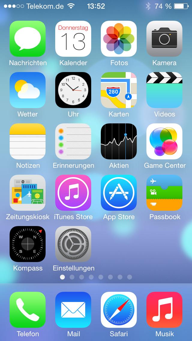 iOS 7 Beta 1 Homescreen