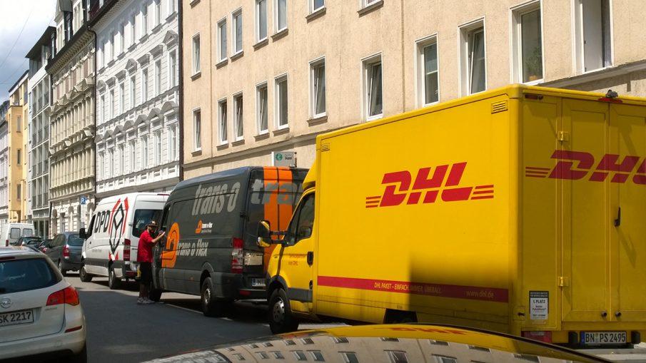 Kurierdienste drängen sich in der Münchner Heßstraße